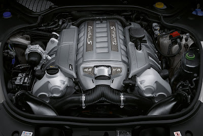 Porsche-Panamera_Turbo S_2012_1280x854_Engine