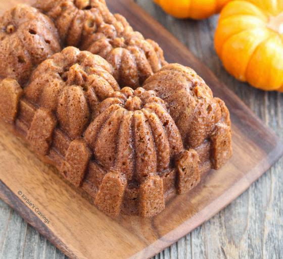 close-up photo of pumpkin bread