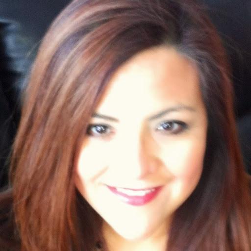 Adriana Yanez Photo 17