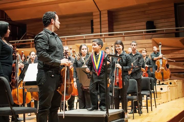 El niño Rafael Rincón tiene 8 años y pertenece al núcleo orquestal de Maturín. Toca trombón y actualmente pertenece a la Orquesta Sinfónica Infantil Nacional de Venezuela