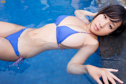 фото девушек азиатки в купальниках и без