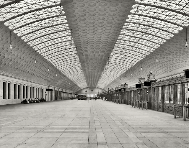 Train concourse, Union Station, Washington, D.C. Between 1905 and 1910