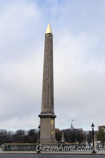 Concorde meydanındaki dikilitaş, Paris
