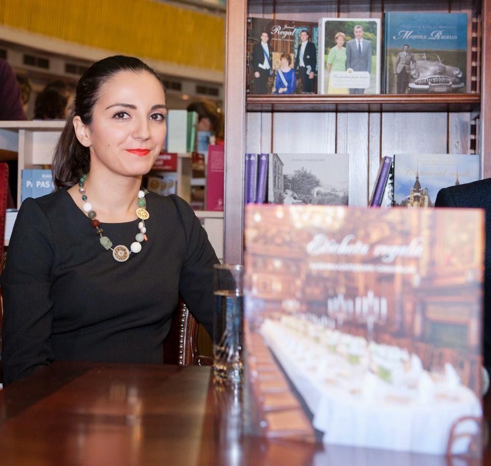 Eticheta regală de Sandra Gătejeanu-Gheorghe, Curtea Veche Publishing