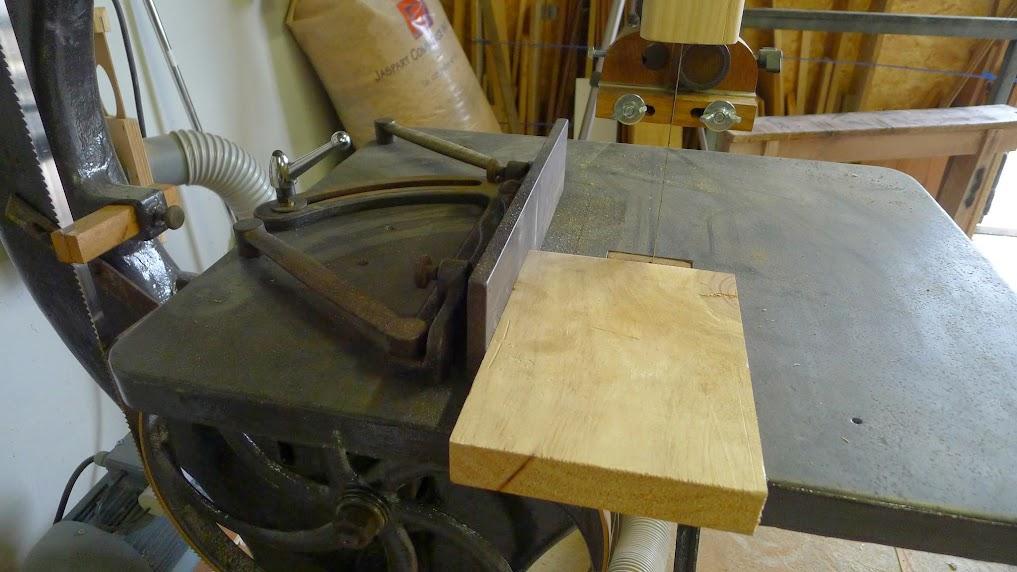 Ancienne scie à ruban Jacquin... La restauration est finie - Page 4 P1060993