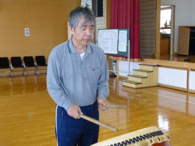 場所を変えて、太鼓の練習をしました