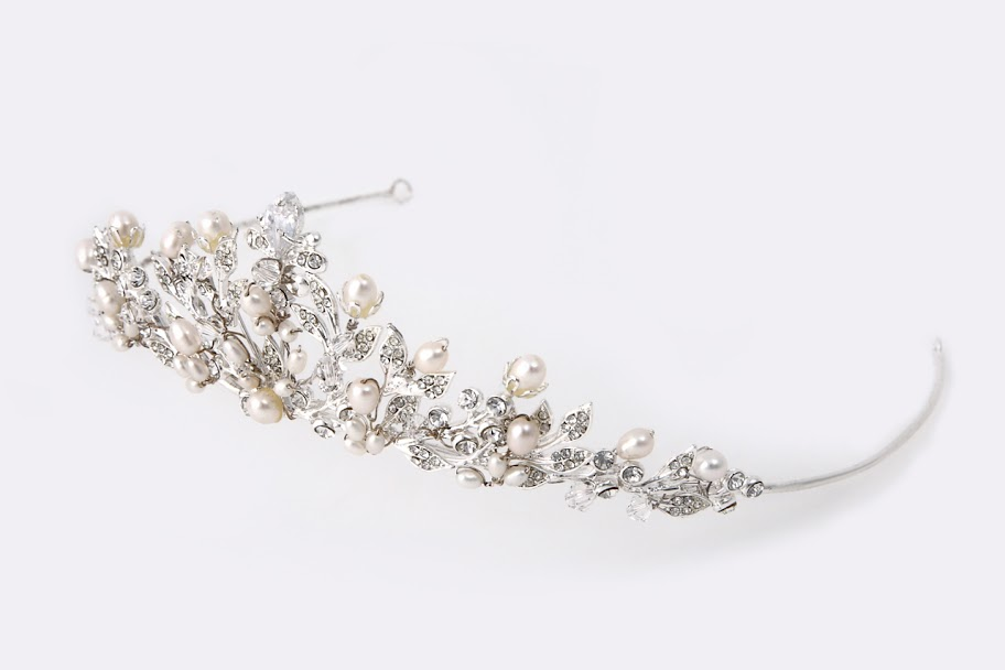 ティアラ ブライダル  ウェディング アクセサリー ウエディング ヘッドドレス パール マリアベール ラリエット 画像