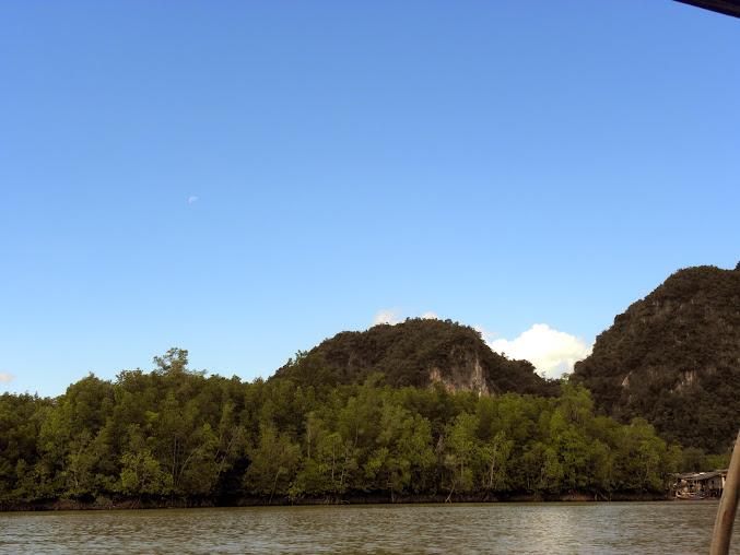 https://lh5.googleusercontent.com/-JivMelRDpkM/Upz_soXcBkI/AAAAAAAAD_o/YvXXFHbvhZM/w677-h508-no/Tajlandia+2013+473.JPG