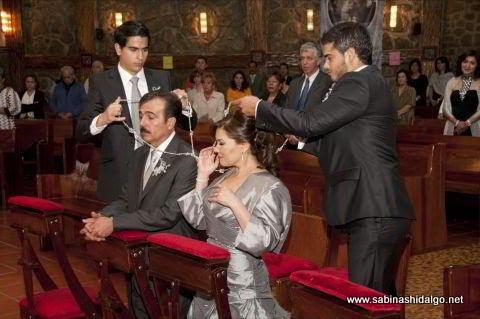 Alma Rosa Martínez y Edmundo García celebraron sus Bodas de Plata