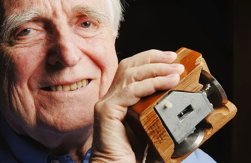 Doug Engelbart, inventor of computer mouse dead at 88