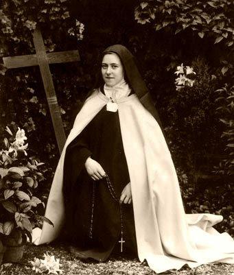 1 ottobre, memoria liturgica di SANTA TERESA DI LISIEUX. COSI' LA  RACCONTAVA BENEDETTO XVI – San Paolino's Voice
