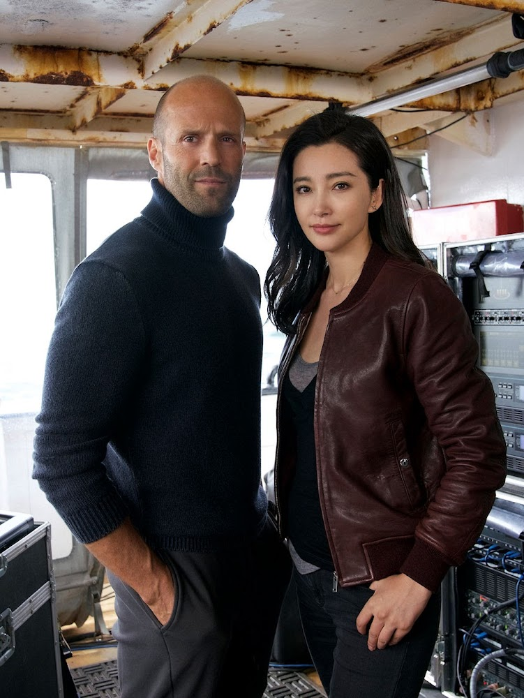 Jason Statham stars as Jonas Taylor and Li Bingbing as Suyin in MEG. (Photo by Daniel Smith / courtesy of Warner Bros. Pictures and Gravity Pictures).