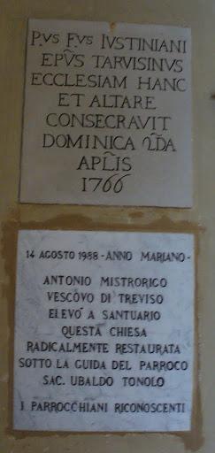Lapidi marmoree in ricordo della consacrazione della chiesa ed altare (1766) e dell'elevazione a Santuario (1988)