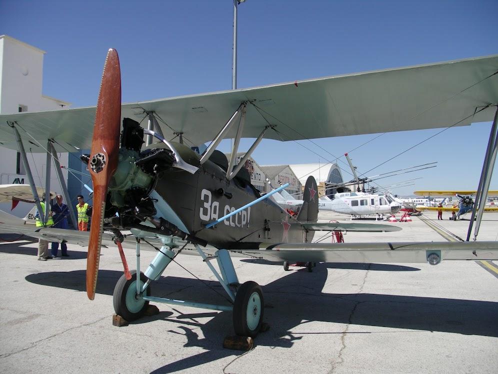 """Exhibición aerea de la Fundación """"Infante de Orleans"""". POLIRKAPOV+U-2"""