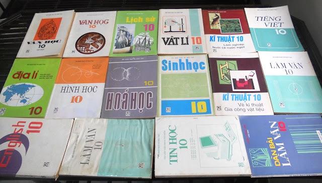 Sách giáo khoa tiểu học cũ - nơi lưu giữ từng trang ký ức DSCN2750