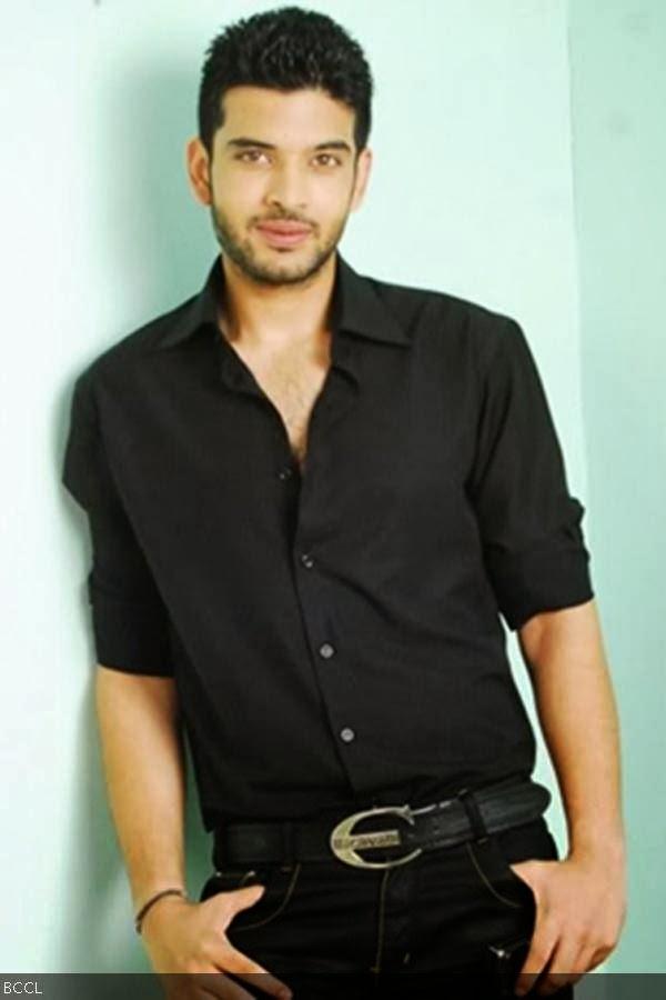 Karan was dating television actress Kritika Kamra for same time before