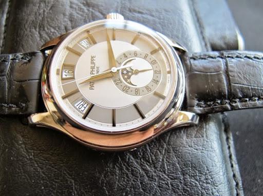bán đồng hồ Patek Philippe Annual Calendar – Model 5205 G – vàng trắng 18k – Trăng sao ngày tháng