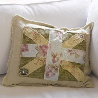 OkieChic: Shabby Union Jack Pillow
