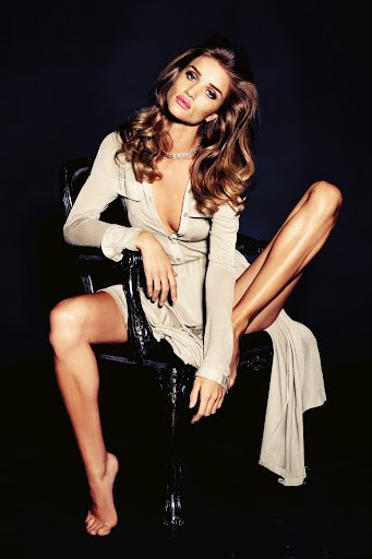 Rosie Huntington-Whiteley para Vogue Alemania noviembre 2011
