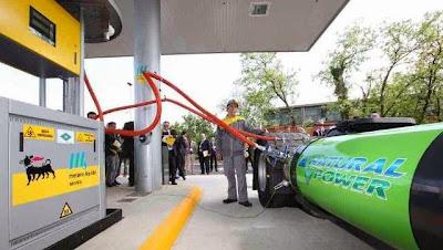 Iveco Stralis LNG. Tankowanie skroplonego gazu ziemnego