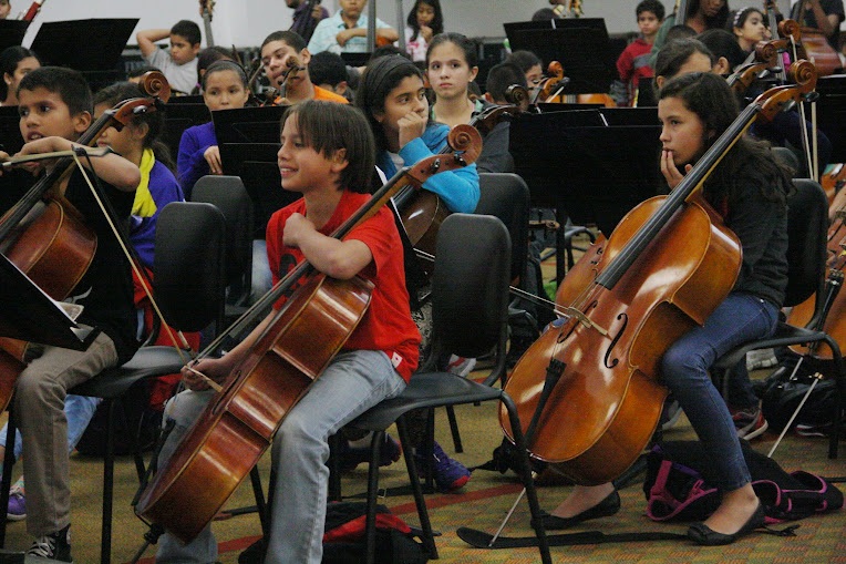Atentos y alegres. Así se mostraron los integrantes de la Sinfónica Nacional Infantil de Venezuela, durante su primer ensayo con el maestro Andrés González en Puerto Ordaz.