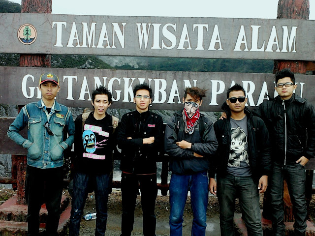 ADVENTURE OF TANGKUBAN PERAHU MOUNTAIN