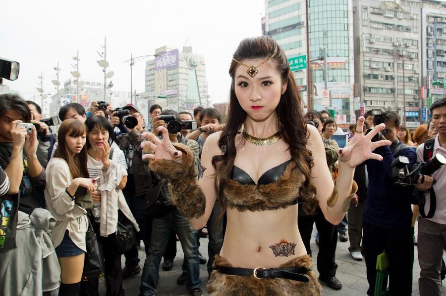 Biểu diễn cosplay Thần Ma Đại Lục trên đường phố xứ Đài - Ảnh 6