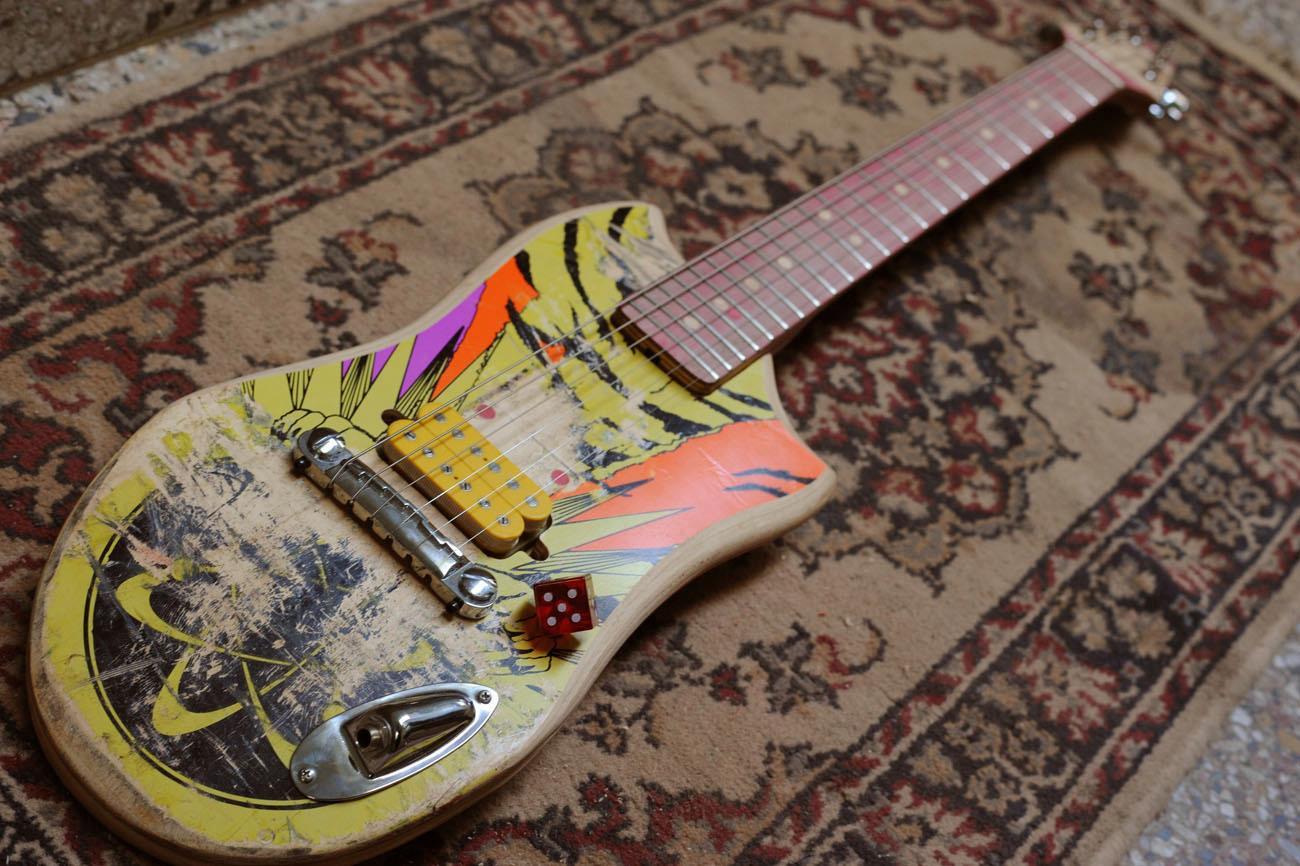 *Skate Guitar 回收再生:電音滑板吉他! 2