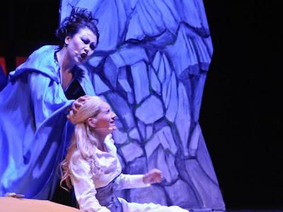 Die Königin der Nacht mit ihrer Tochter Pamina
