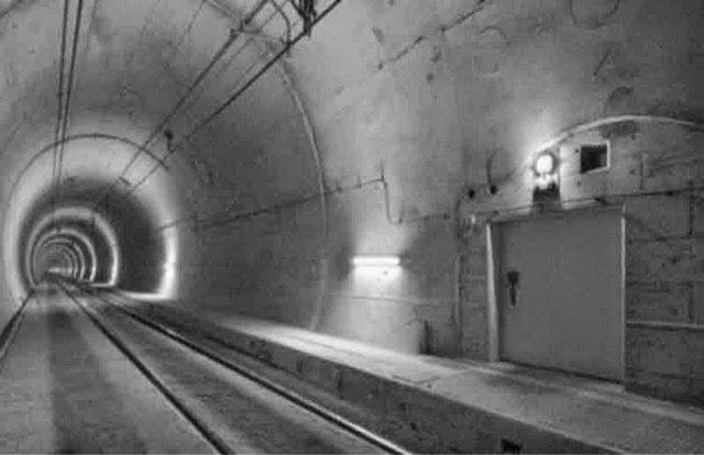 подземных бункерах Москвы.