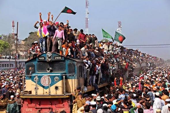 Tren abarrotado de pasajeros