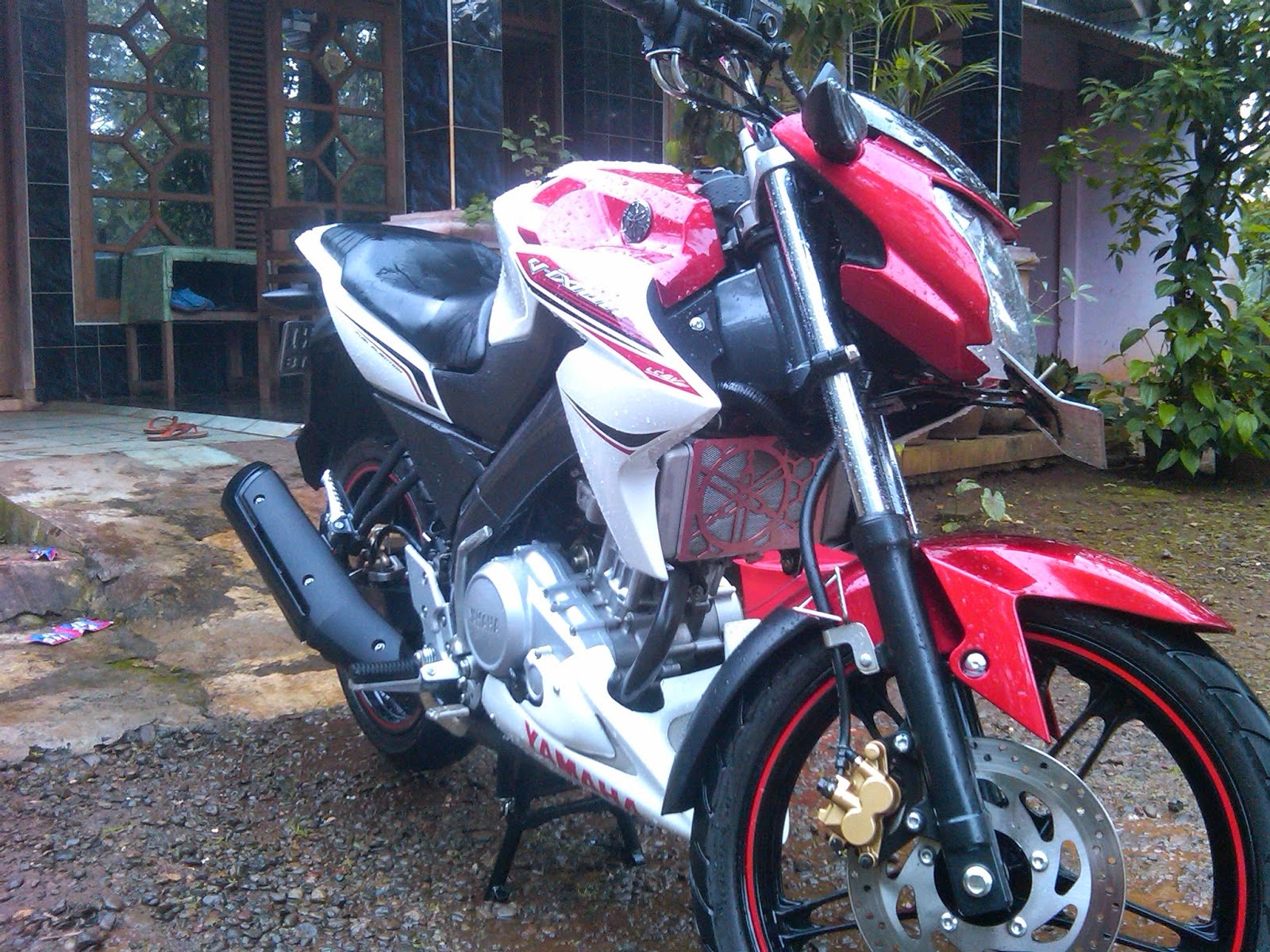 Modifikasi Striping Cb150r Putih Merah