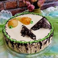 tort bezowy gruszkowo chałwowy