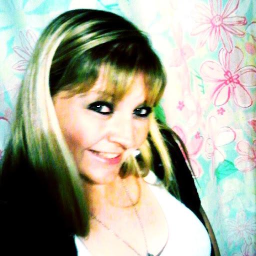 Lisa Bryson Photo 27