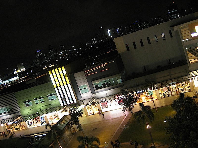 Bonifacio High Street at night