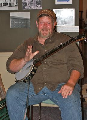 Banjo instructor