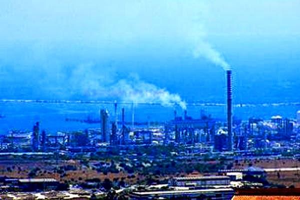inquinamento. rada di Augusta, malformazioni