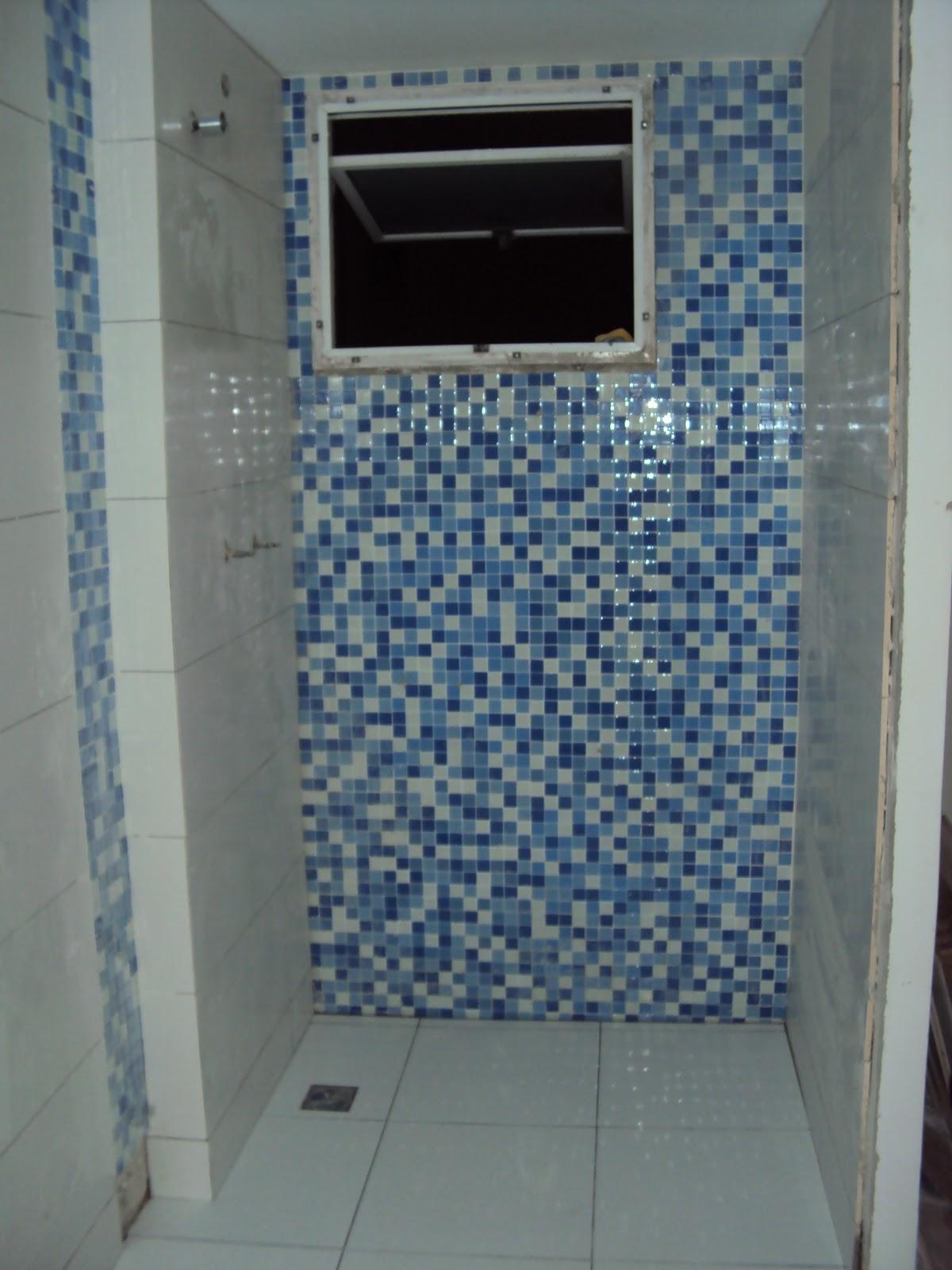 ENGI & ART: REFORMA DE APARTAMENTO NO CONDOMÍNIO LE PARC BARRA DA  #334863 1200x1600 Banheiro Azul Pastilha