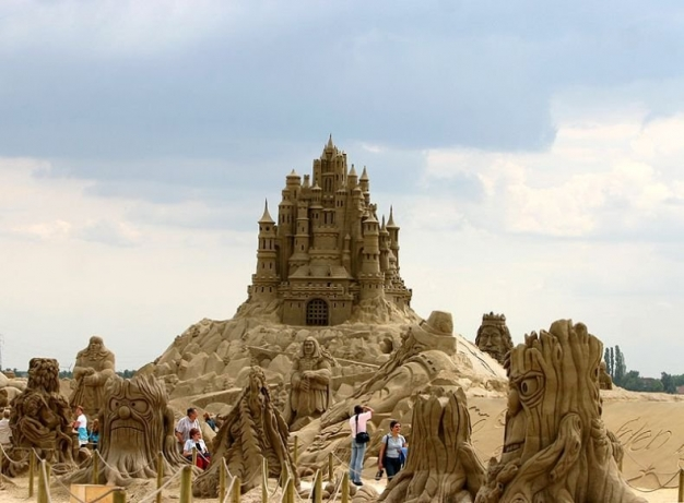 Business-Lessons-Sand-Art-Small-Business-Castle-Self-Employed