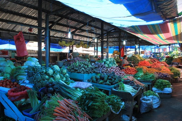 Pasar Berastagi, Buah Sayur dan Bunga, Lengkap!