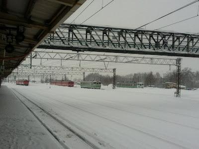 雪の中のディーゼルカー