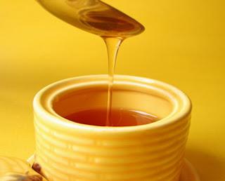 ثلاثة طرق بسيطة لكي تفرق بين العسل الاصلي والعسل المغشوش 3 12/1/2016 - 9:02 ص