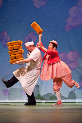 Jason Ballweber and Sara Richardson in Children's Theatre Company's Mercy Watson to the Rescue! Photo by Dan Norman.