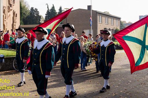 herdenkingsdienst  en een stille tocht naar het Engelse kerkhof 12-10-2014 (45).jpg