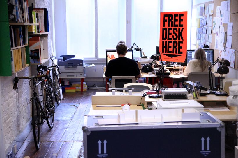 *FREE DESK HERE免費工作室辦公桌:在這裡! 4