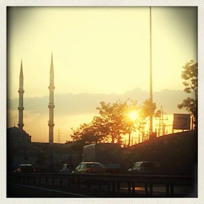 Sonnenuntergang suf Istanbuls Straßen
