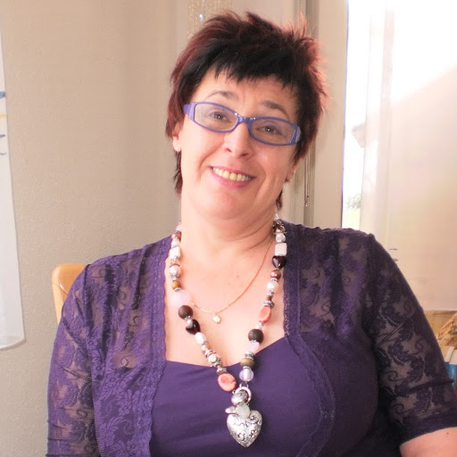 Andrea Suter