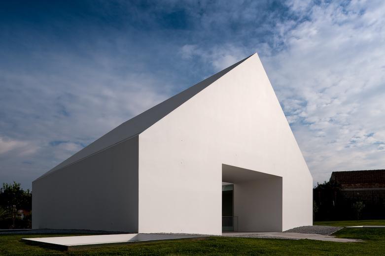 Aires mateus arquitectos a f a s i a for Maison minimaliste plan