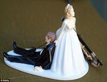 غرائب كعكات الزفاف