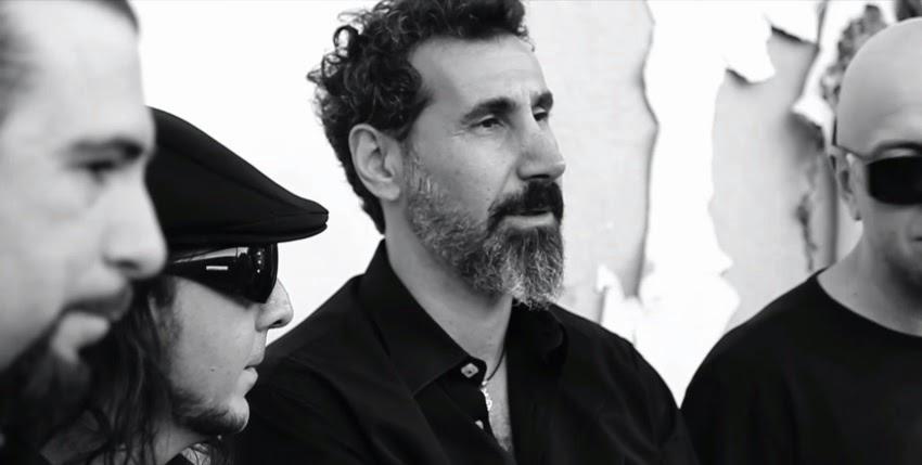 Serj Tankian: 'Pensamos em como escrever um novo material, mas ainda não iniciamos'